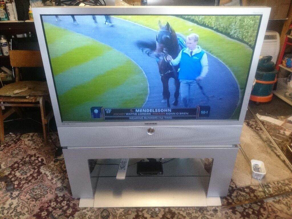 Samsung 43quot dlp rear projection tv with stand prefect working samsung 43quot dlp rear projection tv with stand prefect working sciox Choice Image