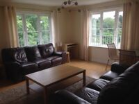 Immaculate 2 Double Bedroom Flat to Rent in popular Queens Crescent, Livingston - £625 pcm