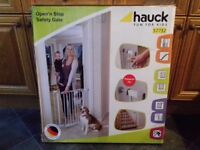 Hauck Open and stop Pressure fit safety gate