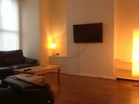 Double Bedroom - CLEANING Incl - Great Condition House