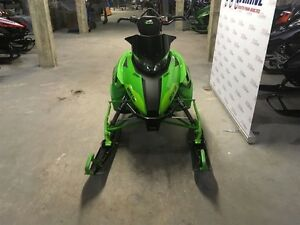 2017 arctic cat M8 M8000 Mountain Cat 3.0 Saguenay Saguenay-Lac-Saint-Jean image 4
