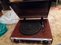 3-Speed Record Player/ Turntable and Radio