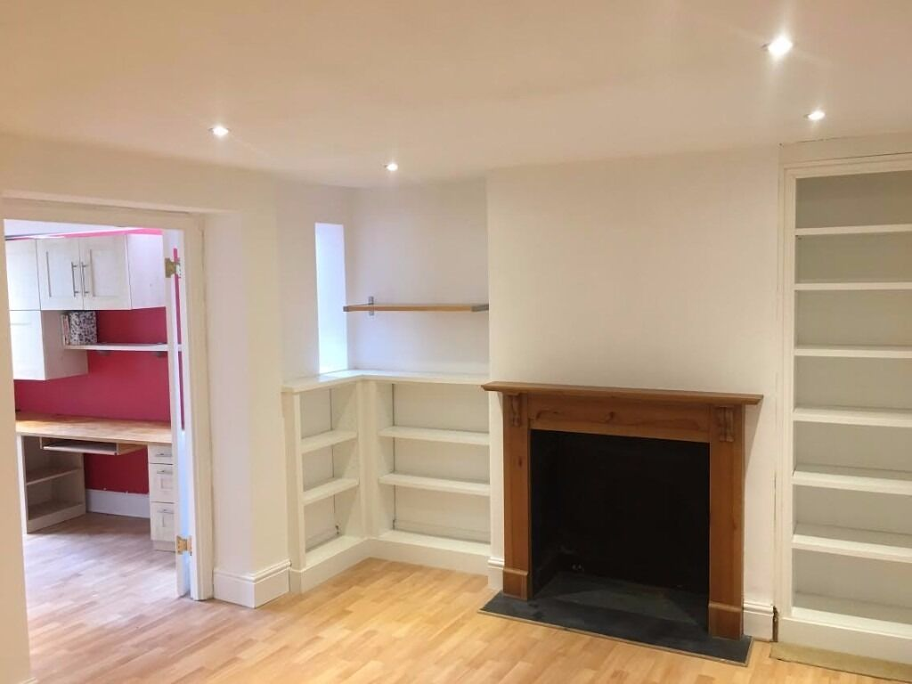 Fantastically located 1 Bed in Mortlake (with separate office) *All bills included*