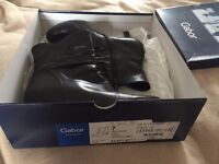 Gabor Black Leather ankle boots size 7/ 40.5