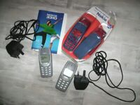 2 Nokia 3310 Mobile Phones, Chargers, Fascia Cover Housing Front & Back Covers
