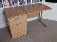 Small office desk with lockable pedestal drawer unit
