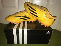 Very clean 7 1/2 Adidas Football Boots