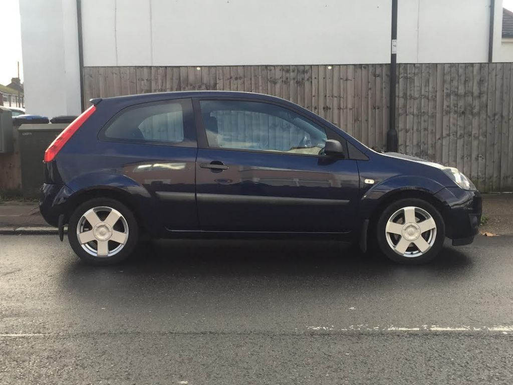 2006 ford fiesta 1 2 blue 3 door 67k long mot taxed in edmonton london gumtree. Black Bedroom Furniture Sets. Home Design Ideas