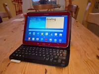 """Samsung Galaxy Tab 3, 10"""" tablet and logitech bluetooth clip-in keyboard (16Gb internal, 32Gb extra)"""