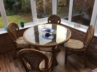 Dinning Room Table and 4 Matching Chairs