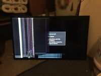 Sumsung 39 inch TV UE39F5000 Screen Damage (for parts & spares, inc. stand, power cable and remote)