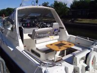 fast sports cruiser boat Sealine Ambassador twin engine diesel with duo prop propulsion