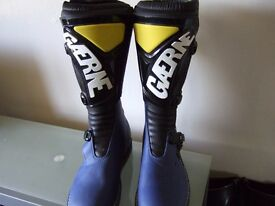 NEW WITH TAGS GAERN TRIALS BOOTS EURO 40