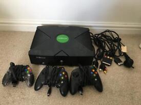 Xbox Original 3 controllers & 13 games.