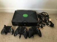 Xbox Original 3 controllers & 13 games.