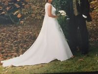 BEAUTIFUL IVORY WEDDING DRESS WITH ITALIAN EMBROIDERY BODICE SIZE 10