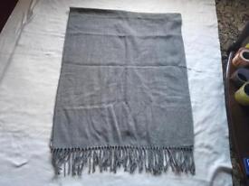 Light wool ladies scarf grey used £2