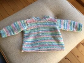 Beautiful hand-knitted baby jumper (6-9 months)