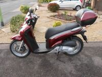 2011 HONDA SH125i ,Very low mileage - immaculate condition.