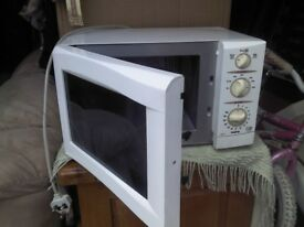 Sanyo microwave oven, with grill model EM-g2051,