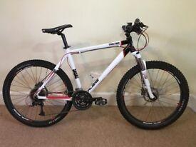 Calibre Two Two V2 Hard Tail Mountain Bike Size M 2017