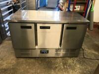 Commercial bench counter pizza fridge for shop cafe restaurant takeaway ngfdd