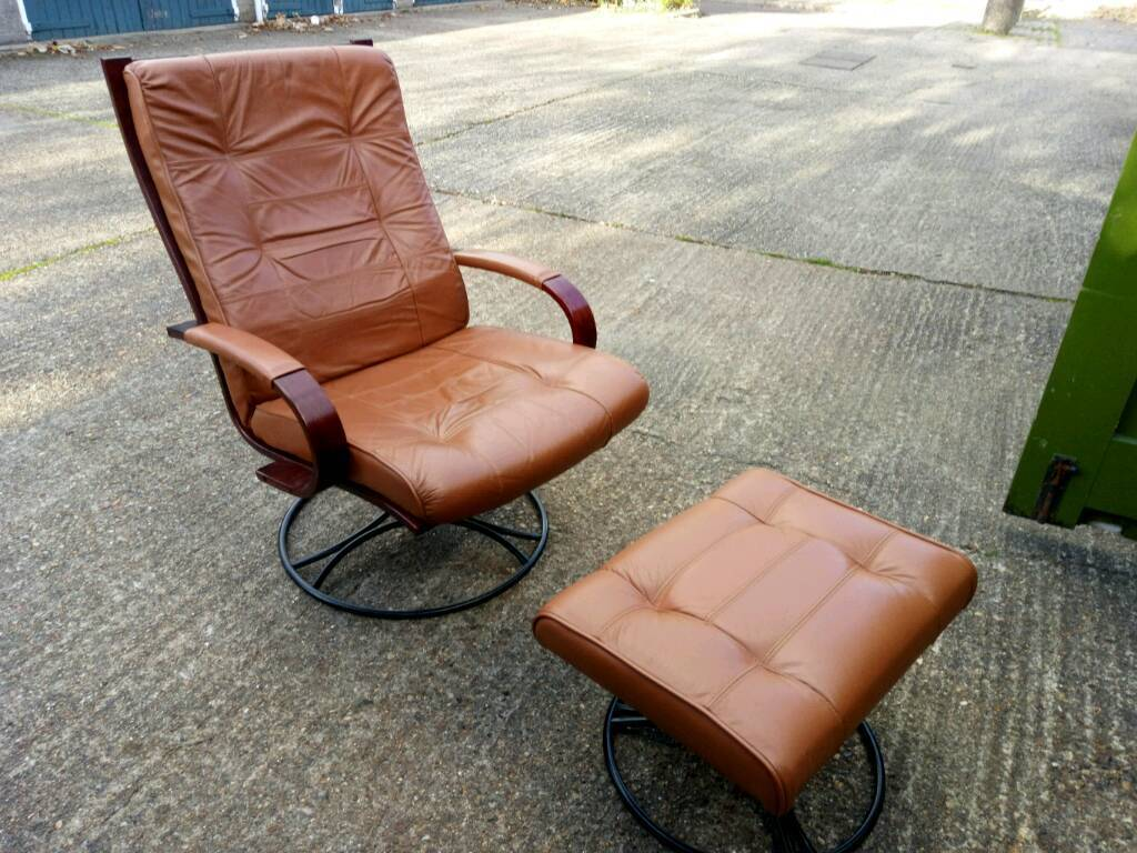 Retro Leather Swivel Chair and Foot Stool