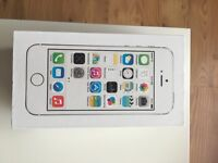 Mint condition iPhone 5s, silver, 16gb, unlocked to all networks