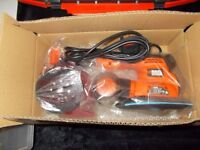 BRAND NEW BLACK & DECKER MULTI SANDER AUTOSELECT 4 IN 1 + 18 ACCESSORIES TOOLBOX £40