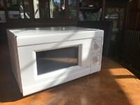 Microwave. Excellent condition SOLD