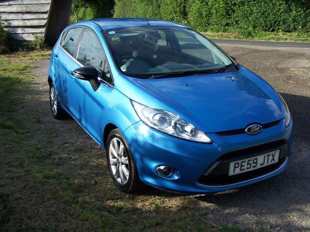ford fiesta zetec 82 1 2l 2009 59 5 door blue in. Black Bedroom Furniture Sets. Home Design Ideas