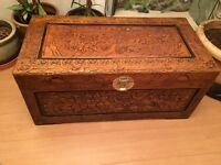 BEAUTIFUL LARGE CHEST TRUNK