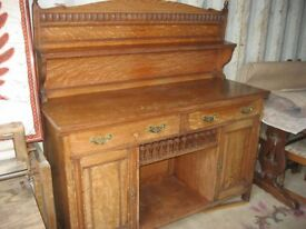 QUALITY VINTAGE 'SHAPLAND PETTER' SOLID OAK -ARTS & CRAFTS- ORNATE SIDEBOARD. VIEW/DELIVERY POSSIBLE