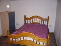 LARGE ROOM FOR 1 OR 2 PEOPLE IN FOREST GATE - NO BILLS - PRIVATE LANDLORD.