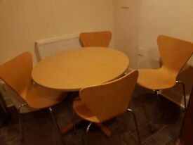 Table and 5 chairs -35in or 90 cm