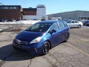 2012 Toyota Prius v ~ BACK-UP CAMERA ~ BLUETOOTH ~ HWY MILEAGE ~