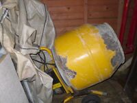 ELECTRIC CEMENT MIXER IN FULL WORKING ORDER