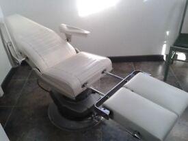 Patient treatment chair
