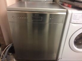 **SMEG**DISHWASHER**STAINLESS STEEL**60CM**GOOD CONDITION**COLLECTION\DELIVERY**NO OFFERS**