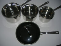 STAINLESS STEEL PAN SET