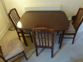 Extendable Dining Table + 6 Chairs (collection only)