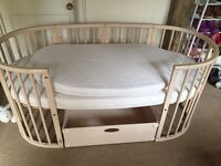 Stokke sleepi oval cot/bed in natural