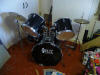 Complete Pulse Drum Kit - Black - Used, in good condition, ideal as a starter kit!