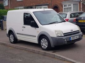FORD TRANSIT CONNECT 1.8 TDI 2003 WHITE STARTS AND DRIVES PERFECT ALL IN GOOD WORKING ORDER