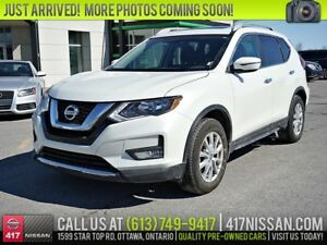 2017 Nissan Rogue SV AWD | Moonroof, Htd Seats, Rear Camera