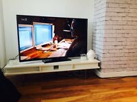 White gloss TV stand / coffee Table