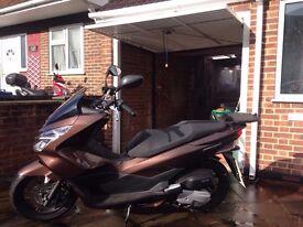 2400 Honda PCX 125 cc
