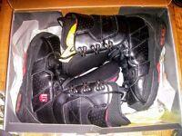 Burton Hail, UK size 8, Mens, Snowboard Boots - Boxed