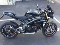 TRIUMPH SPEED TRIPLE 2016 only done 1826m (just reduced)