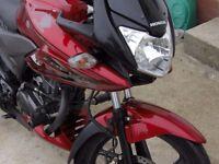 Honda CBF 125 great condition with GIUI monolock Top Box low mileage